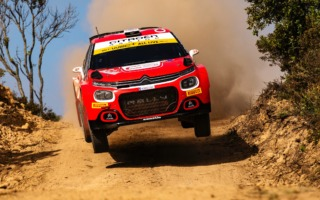 WRCサルディニア:SSフィニッシュ後にFワード連呼のオストベルグにペナルティ