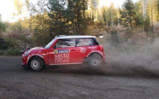 WRCフィンランド:SS1で100%再生可能燃料を使用したMINI R4のデモランを実施