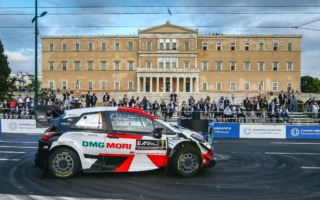 WRCギリシャ:オープニングの市街地SSはトヨタのオジエが制す