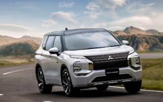 三菱、新型アウトランダーPHEVを12月に発売、先行注文を開始
